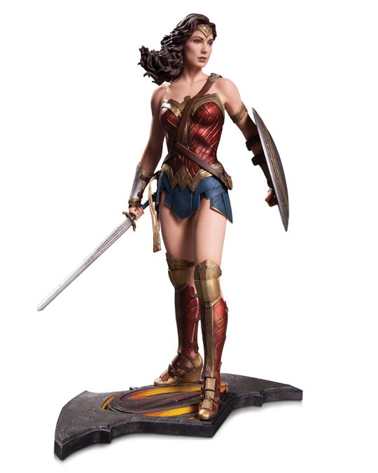 Get A Good, Detailed Look At The New Wonder Woman Costume-2845