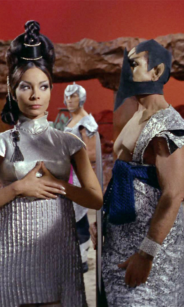 18 Fabulous Star Trek Costumes And Fashions From The
