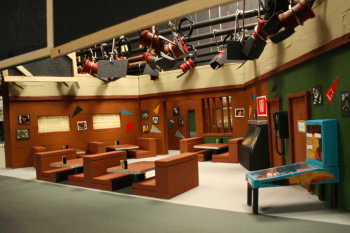 This artist turns classic tv sets into stunning tiny dioramas I love lucy living room set